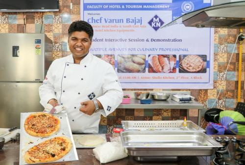 SIS & Demo Chef Varun Bajaj8
